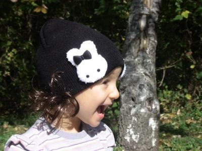 Зимни шапки с къдрички коса