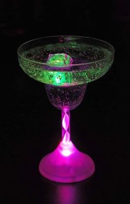 Светещи чаши за маргарита