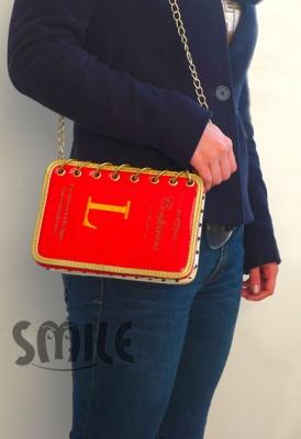 Лачена дамска чанта дневник - червена
