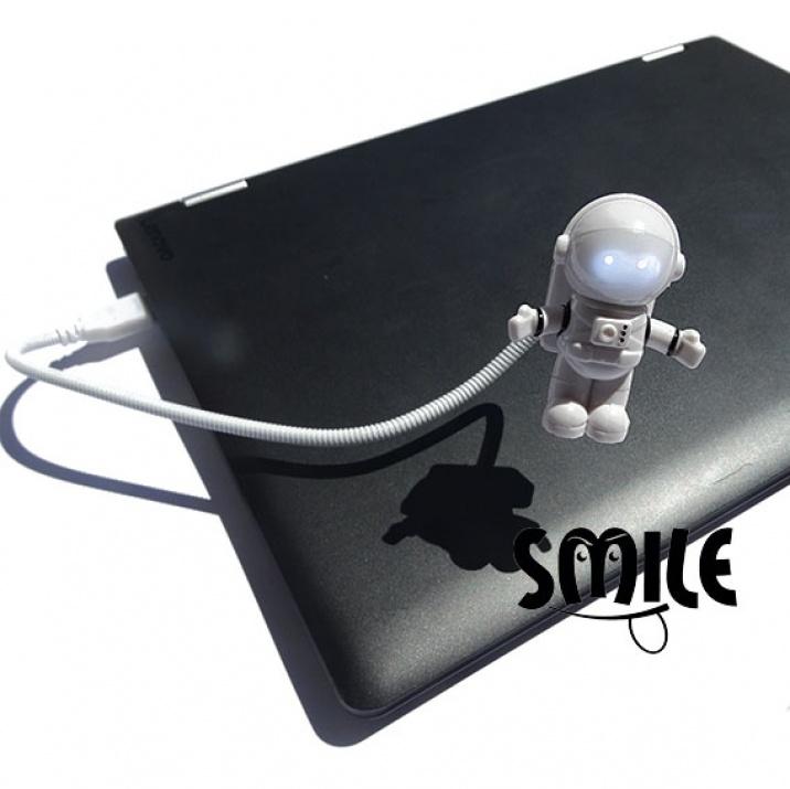 Мини LED лампа космонавт