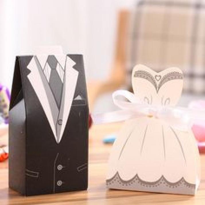 Комплект картонени кутийки за бонбони-булка и младоженец