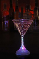 Светещи чаши за мартини