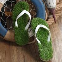 Летни чехли с трева