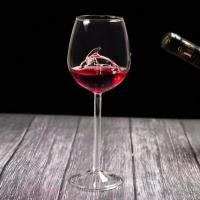Чаша за вино делфин