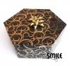 Черен многоъгълник на конфети