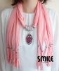 Розов шал с бижу капка